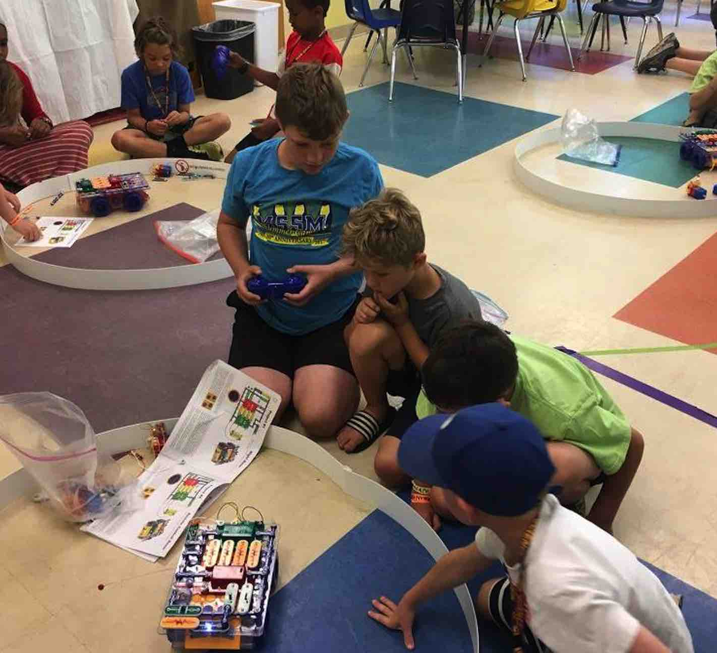 Robotics Camps In Maine Blocks And Augmentedreality App Teaches Kids Circuitry Basics Handson Get Hands On With An Electronic Discovery System That Features Printed Circuit Board Snap Together Different Combinations