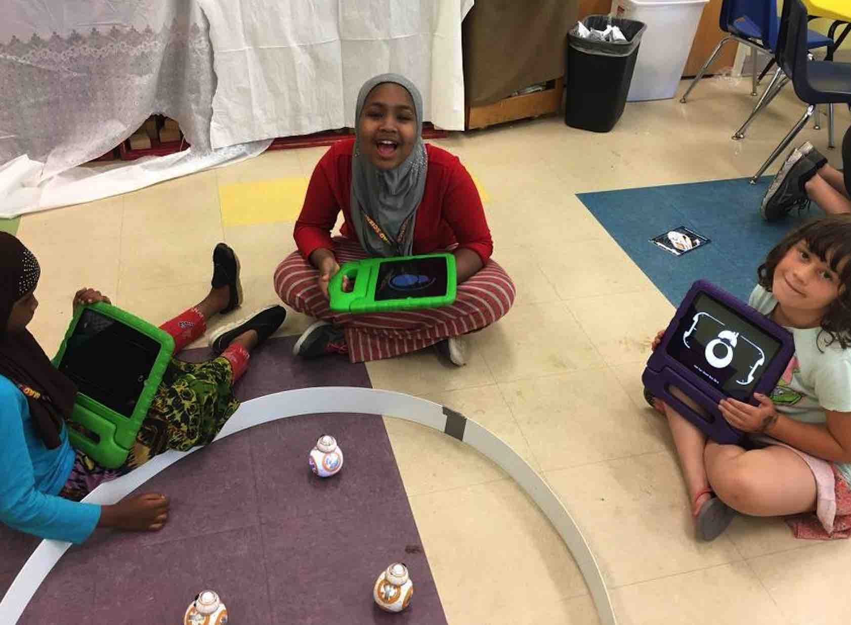 Robotics Camps In Maine Blocks And Augmentedreality App Teaches Kids Circuitry Basics Handson Straight Up Just Have Fun With This Dynamic Robot